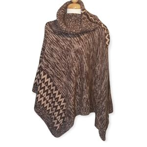 Poncho knit side buttons